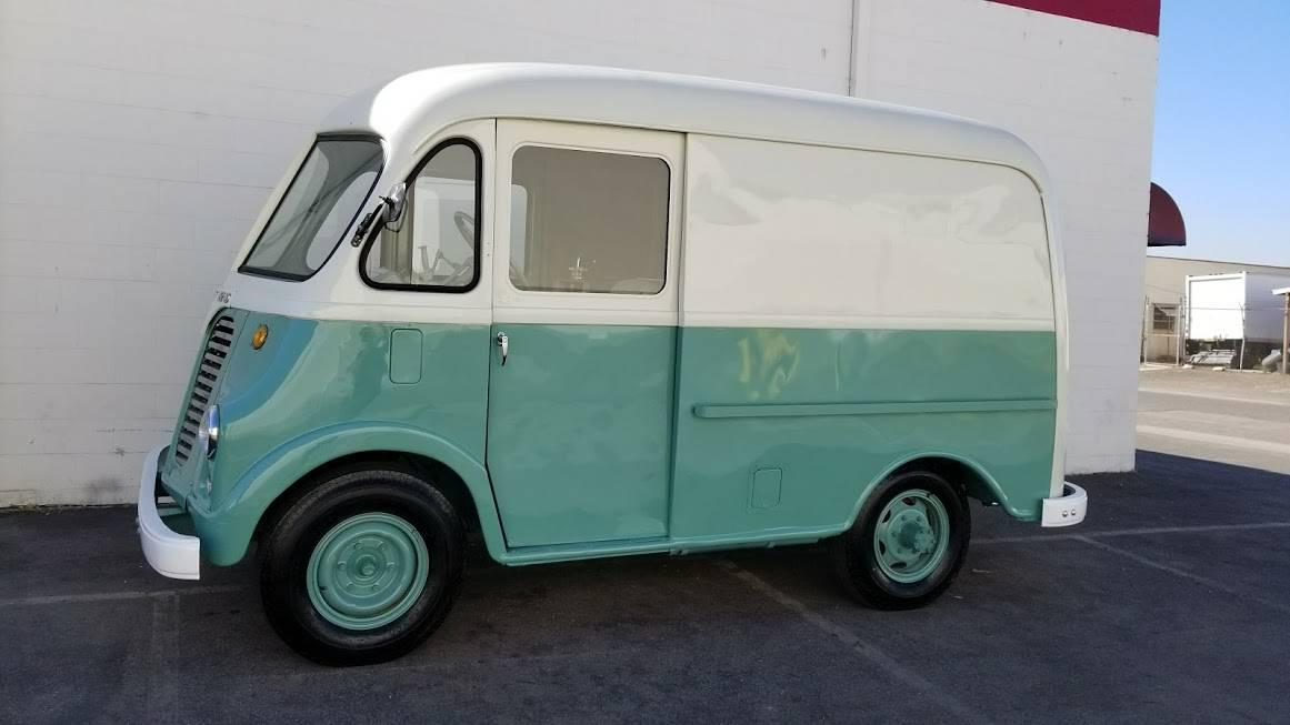 International Harvester Metro Van (1950) Ice cream van for